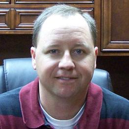 Stewart Advises Winning Steel Bridge Team