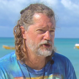 Sikkel Studies Climate Effects on Coral Reefs