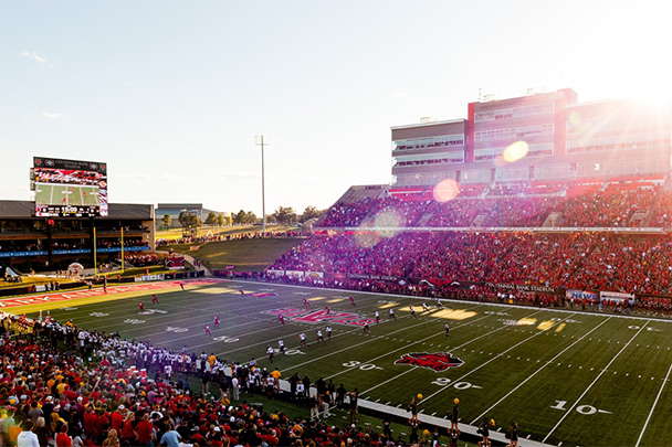 A full stadium cheers on the Red Wolves