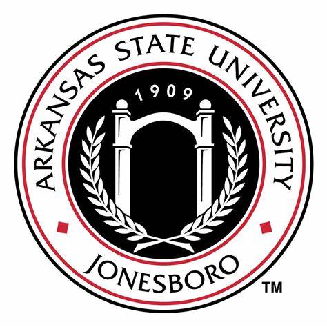 picture of both international and African American students in the multicultural center
