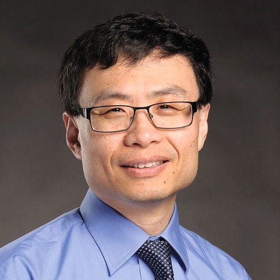 Jiang Advises Programming Team in World Contest