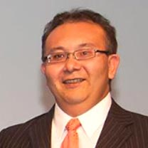 Chang Wins Entrepreneur Educator Award