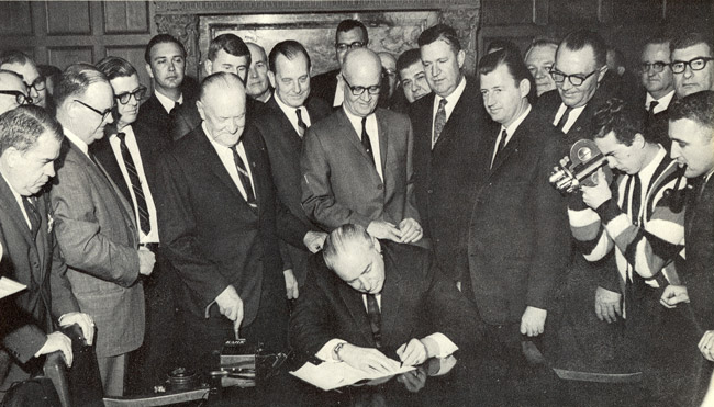 Univ-Bill-Signing-HP153-web