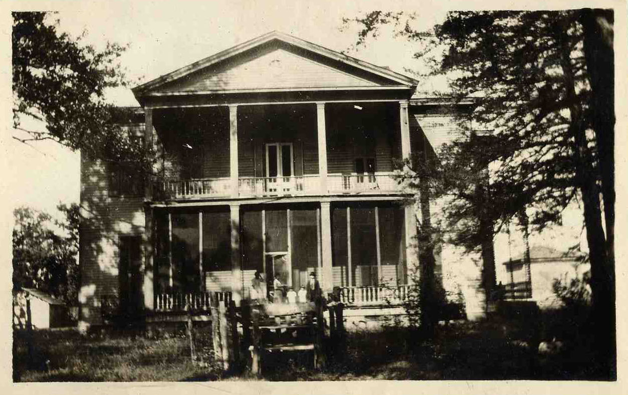Lakeport Exterior 1914
