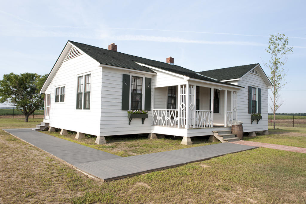 Johnny Cash Boyhood Home Wins 'Best of the South' Award