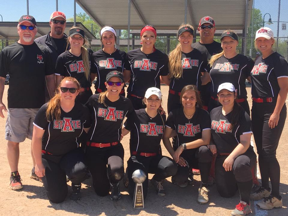 Softball Advances to World Series Championship