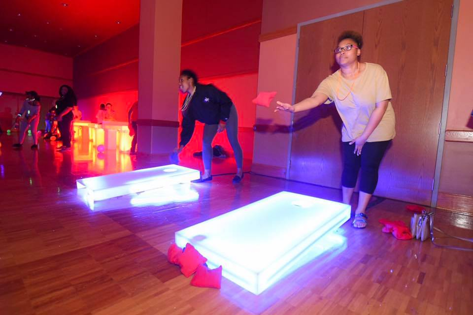 Students compete in LED Bagg-O at SAB's