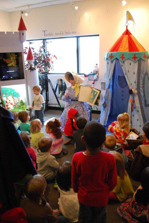Mother Goose in Story Time at ASU Museum
