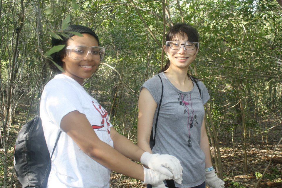 Students Volunteering on Spring Break