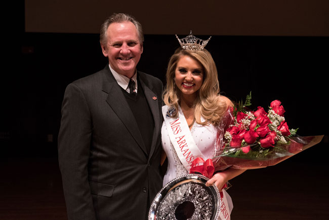 Bailey Moses Crowned Miss Arkansas State University 2016