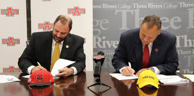 A-State Signs Transfer Pact with Three Rivers College